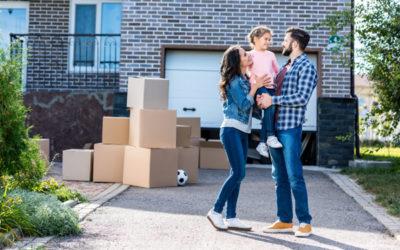 Est-il obligatoire d'être représenté par un avocat pour participer à une vente aux enchères immobilières?